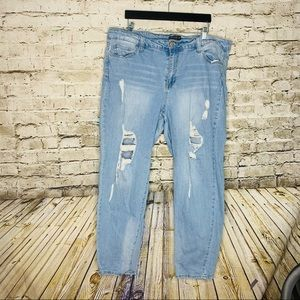 Forever 21 Plus Distressed Straight Leg Jeans 18